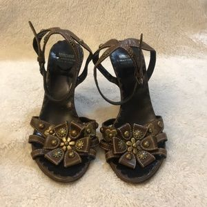 Moschino Cheap and Chic  Brown Vintage Heels